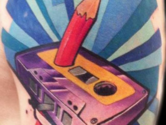 new-school-kaset-kalem-dovme-modeli-min