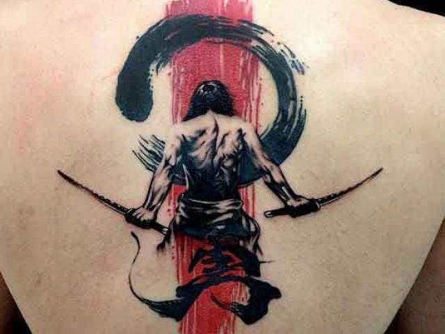 yakuza-sirt-savasci-dovme-modeli